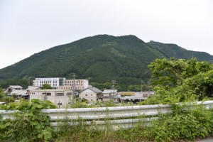 大台町立大台中学校付近から望む移転された大台厚生病院