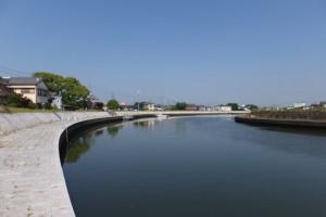 水管橋付近から望む川の駅 二軒茶屋(勢田川)