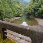 旧天祥橋から望む一之瀬川の上流側