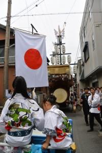 御木曳き祭のために準備された石取祭車(桑名市赤須賀)