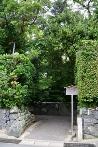 草奈伎神社、大間国生神社(ともに豊受大神宮摂社)神域への入口