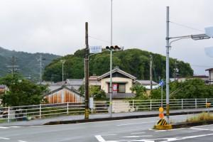 国道23号 月読宮前交差点から遠望する宇治山田神社の社叢、興玉の森