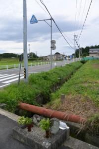幸神社参道入口付近の十字路(玉城町積良)