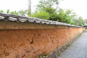 大得寺の土塀(玉城町田丸)