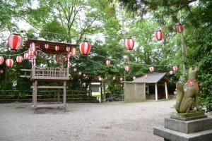 例大祭に向けて民謡踊りの櫓準備(坂社)