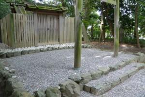 賽銭箱が撤去された河原淵神社(豊受大神宮摂社)