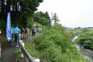 雨渕川を右に見ながら横輪川へ