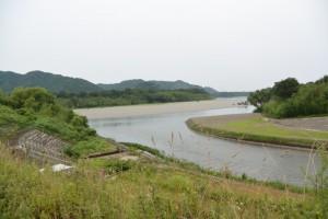 横輪川左岸堤防から望む宮川と横輪川の合流点