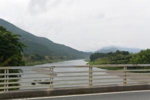 南伊勢大橋から望む宮川の上流方向
