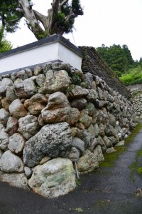 桂林寺の石垣(伊勢市横輪町)