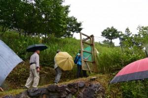 宮山への入口(伊勢市横輪町)