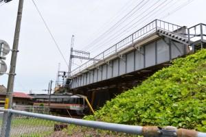 JR紀勢本線と近鉄名古屋線の立体交差(津駅付近)
