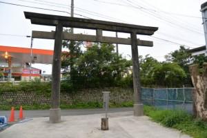 松井孫右衛門参道の鳥居(浅間堤)