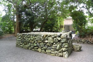 草奈伎神社、大間国生神社の蕃塀