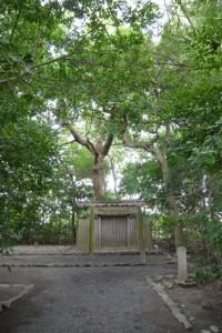 河原神社(豊受大神宮摂社)、毛理神社(同末社)を同座