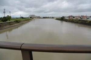 第ニ湊橋から望む濁った大湊川