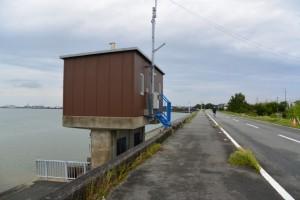 五十鈴川右岸、汐合大橋下流側