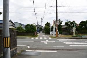 花房志摩守供養碑参道入口〜二見総合駐車場
