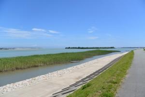 宮川右岸堤防からの風景