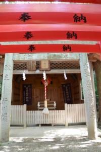 河邊七種神社の仮殿、吉家(稲荷)神社(伊勢市河崎)