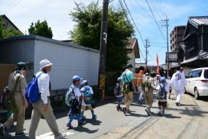 御塩道を歩く(二軒茶屋餅付近)