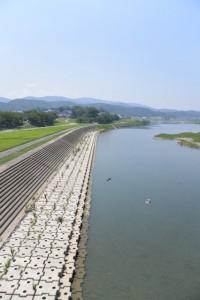 度会橋から遠望する宮川上流方向