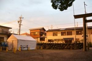 上社(伊勢市辻久留)の境内隅に設置されているテント