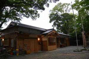 御造替された河邊七種神社の社務所(伊勢市河崎)