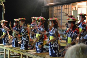 麻加江かんこ踊り、綾おどり(慶林寺)