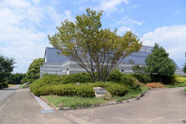鈴鹿市考古博物館(鈴鹿市国分町)