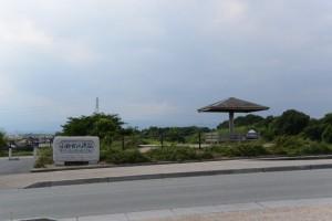 雲出橋(雲出川)の南詰に建つ小野古江渡阯の碑