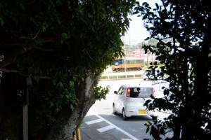 赤崎神社(豊受大神宮末社)国道167号および近鉄志摩線を望む