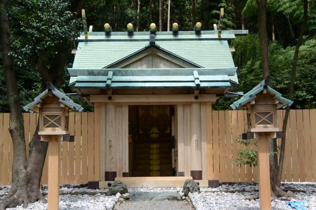 仮遷座中の本殿(賀多神社)