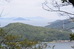 樋の山山頂から望む神島ほか