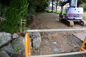 駐車場として埋め立てられたお堀(上社)