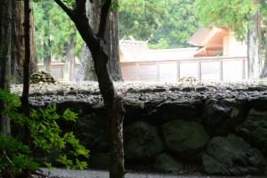 古殿地にある二ヶ所の積み石(外宮)