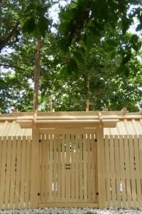 御造替を終え簀屋根が外された志等美神社・大河内神社(共に豊受大神宮摂社)