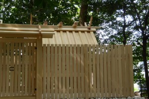 御造替を終え簀屋根が外された大河内神社(豊受大神宮摂社)