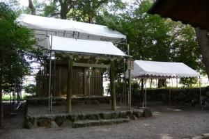 簀屋根が設置された打懸神社(豊受大神宮末社)