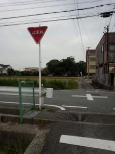 箕曲神社の参道へ(伊勢市小木町)