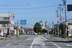浦口南交差点の横断歩道より望むJR参宮線山田上口駅方向