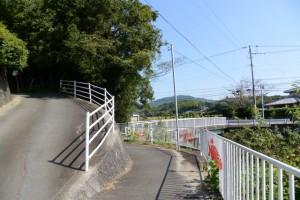 磯部神社から磯部川(神路川)へ