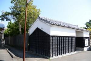 (7) 中長官家の長屋門