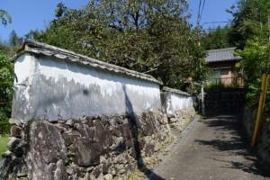 「←20m 倭姫命舊蹟地」「風呂屋の谷 60m→」の道標へ