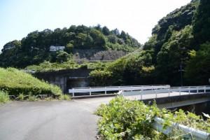 恵利原アメニティー裏の橋(磯部川(神路川))