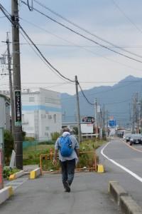 県道10号にて行き交う旅人、(3) 椋本