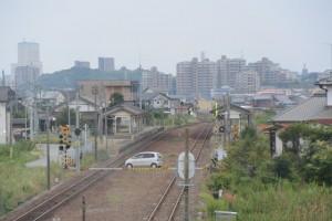 JR紀勢本線「こくどうはし」から遠望する一身田駅
