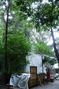 簀屋根が掛けられた打懸神社(豊受大神宮末社)
