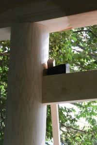 ここには古い楔が?、参道入口の新しい鳥居(松下社)