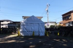 上社の境内の隅に設置されたテント(伊勢市辻久留)